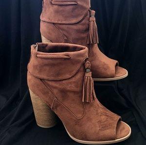 Brand New Brown heel booties size 9